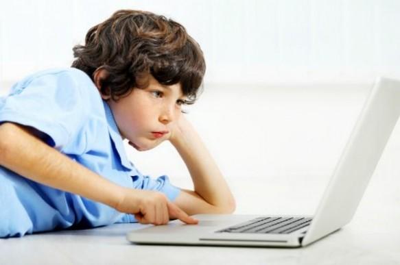 site-urile-porno-torrentele-si-facebook-site-urile-cel-mai-accesate-de-copiii-romani_size1