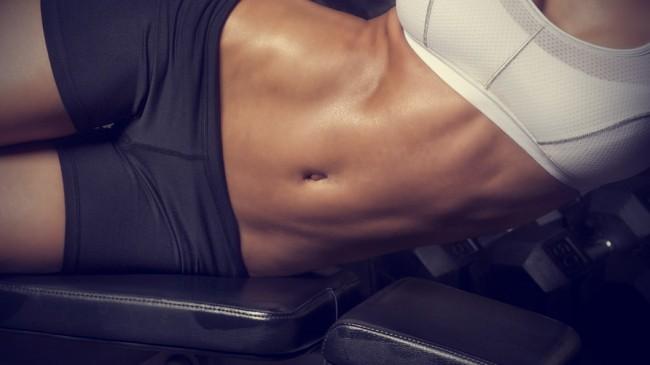 Slăbire în jurul abdomenului cu folie alimentară. Cum se face corect