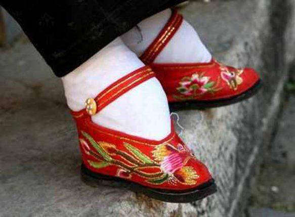 cei-mai-bizari-pantofi