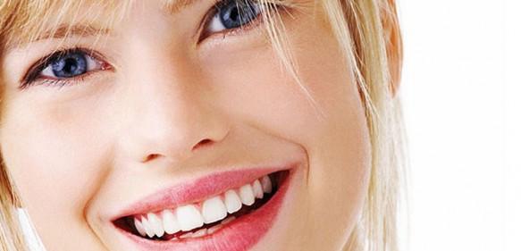 10-paşi-pentru-dinţi-mai-albi-şi-strălucitori
