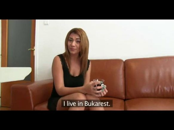 video-o-romanca-la-interviul-de-angajare-in-industria-porno-discutia-si-proba-practica-au-loc-la-bucuresti-18487436