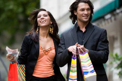 stock-couple-shopping-relationships-fashion