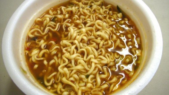 nong_shim_bowl_noodle_soup_hot_spicy_3_64670100